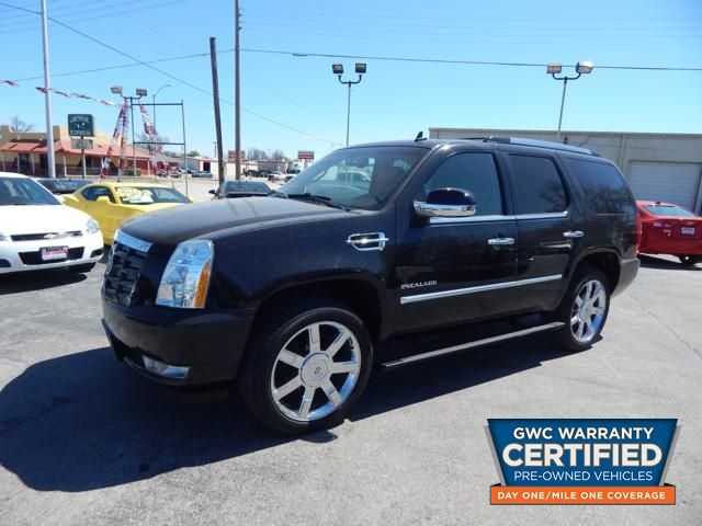 Pre-Owned 2013 CADILLAC ESCALADE LUXURY LUXURY
