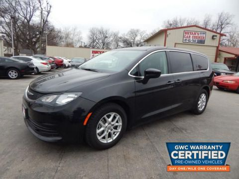 Pre-Owned 2017 CHRYSLER PACIFICA LX LX
